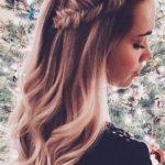 Świąteczna fryzura: naturalne fale, długie włosy, kłos