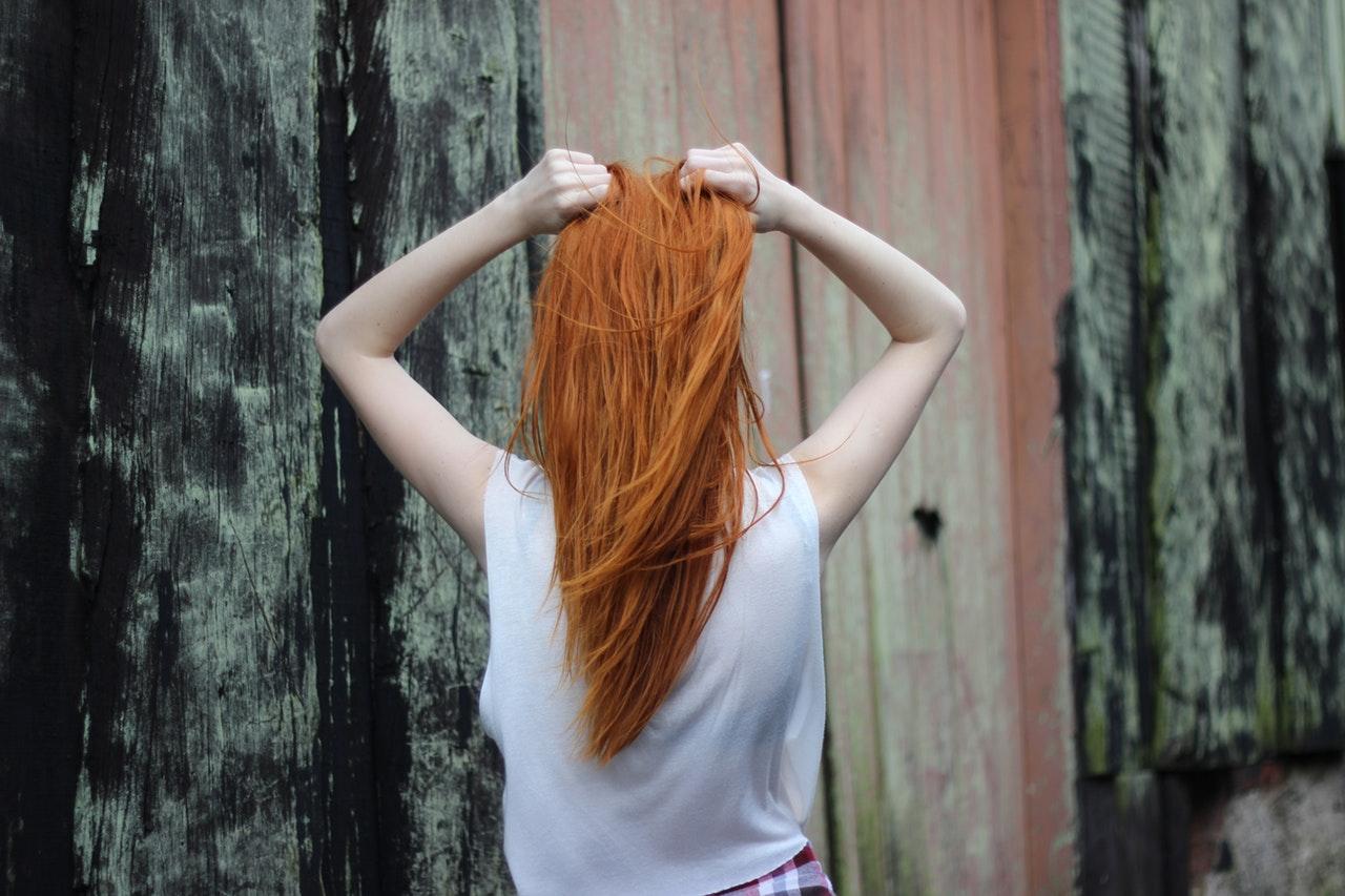 komu pasują rude włosy
