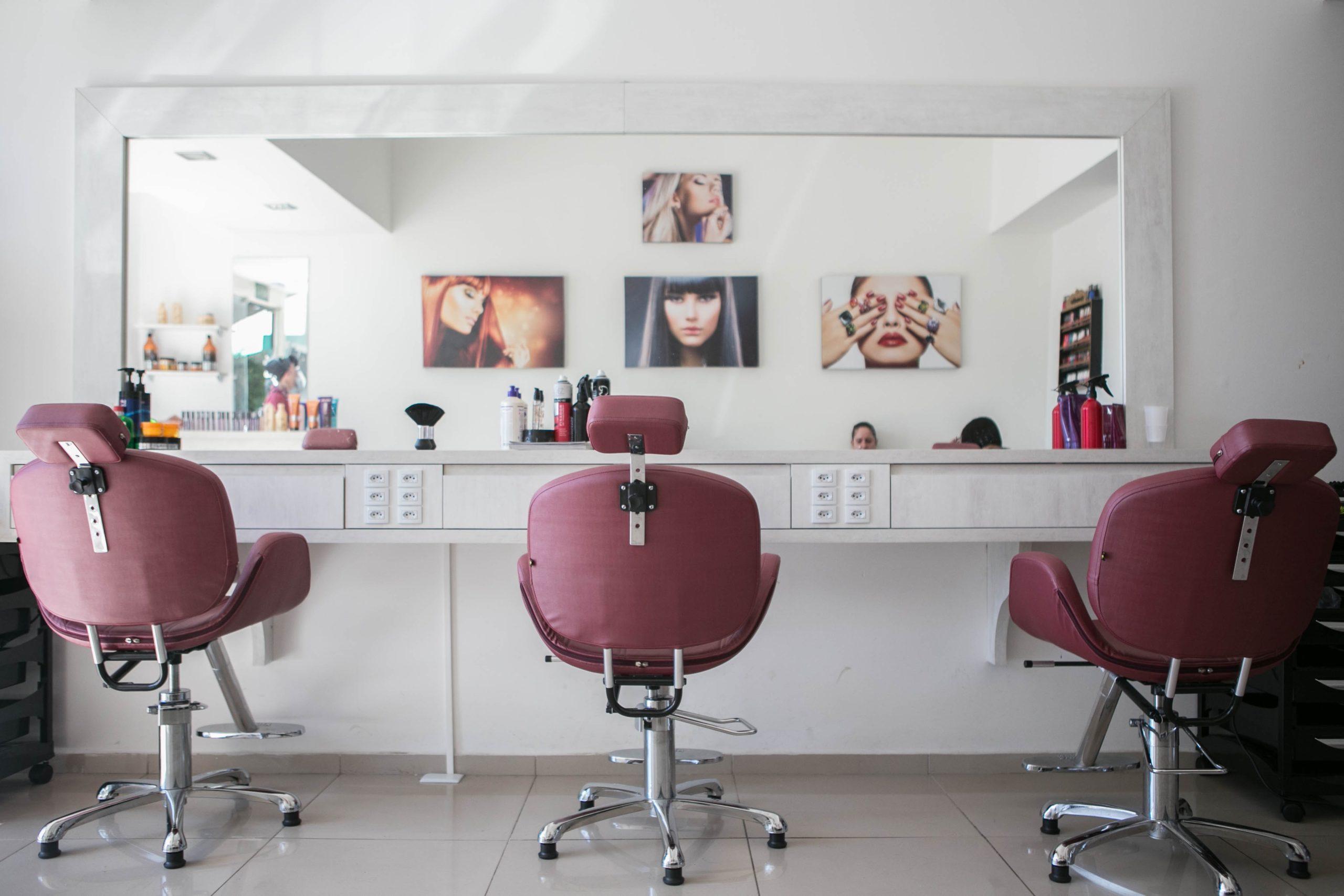 Bezpieczny salon fryzjerski
