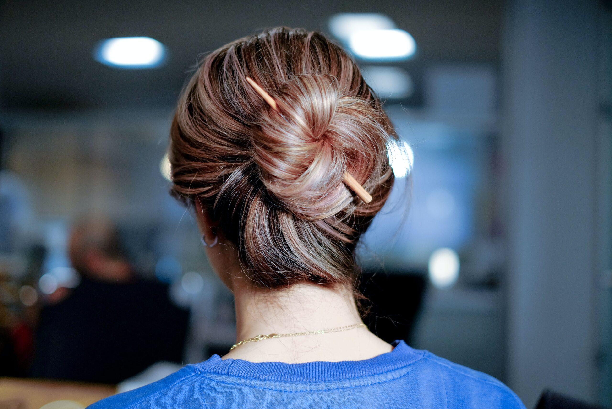 Szybkie fryzury na lato – wykonaj je w 5 minut!
