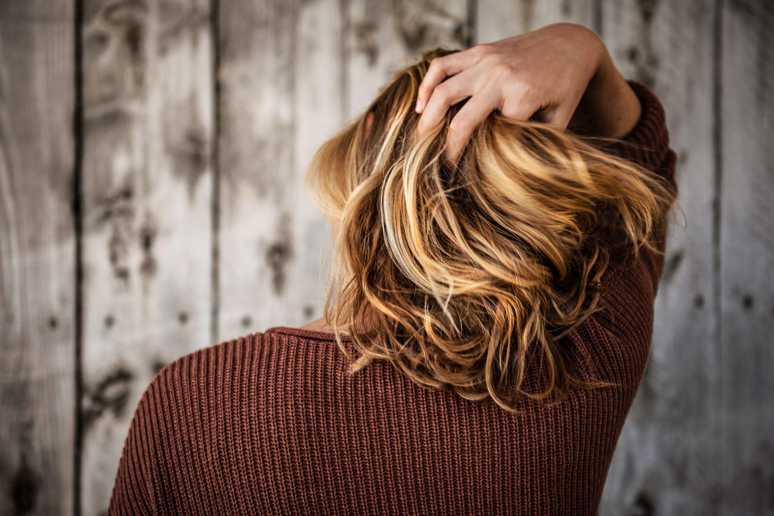 włosy pozbawione blasku - kosmetyki