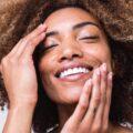 Jak wykorzystać home office do pielęgnacji skóry twarzy?