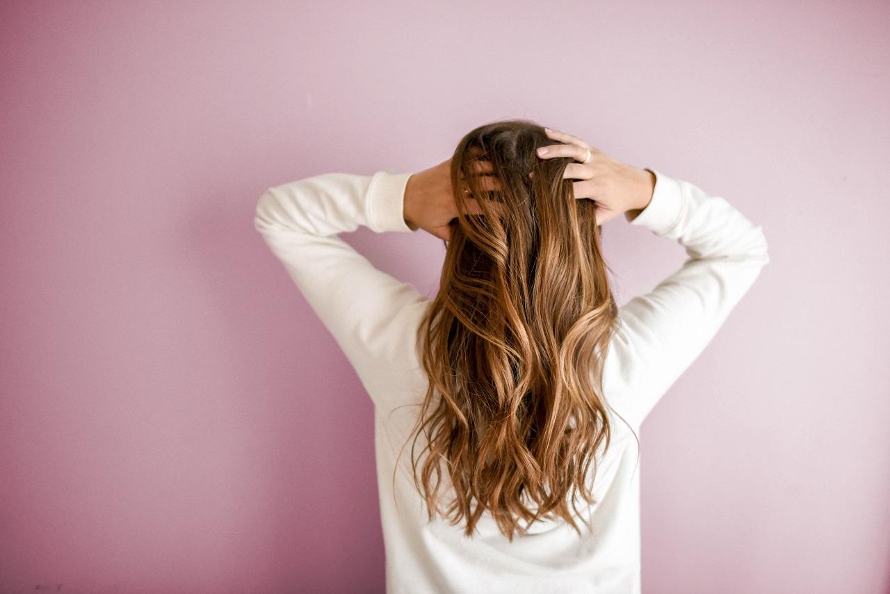Trendy na 2021 - poznaj koloryzacje i fryzury