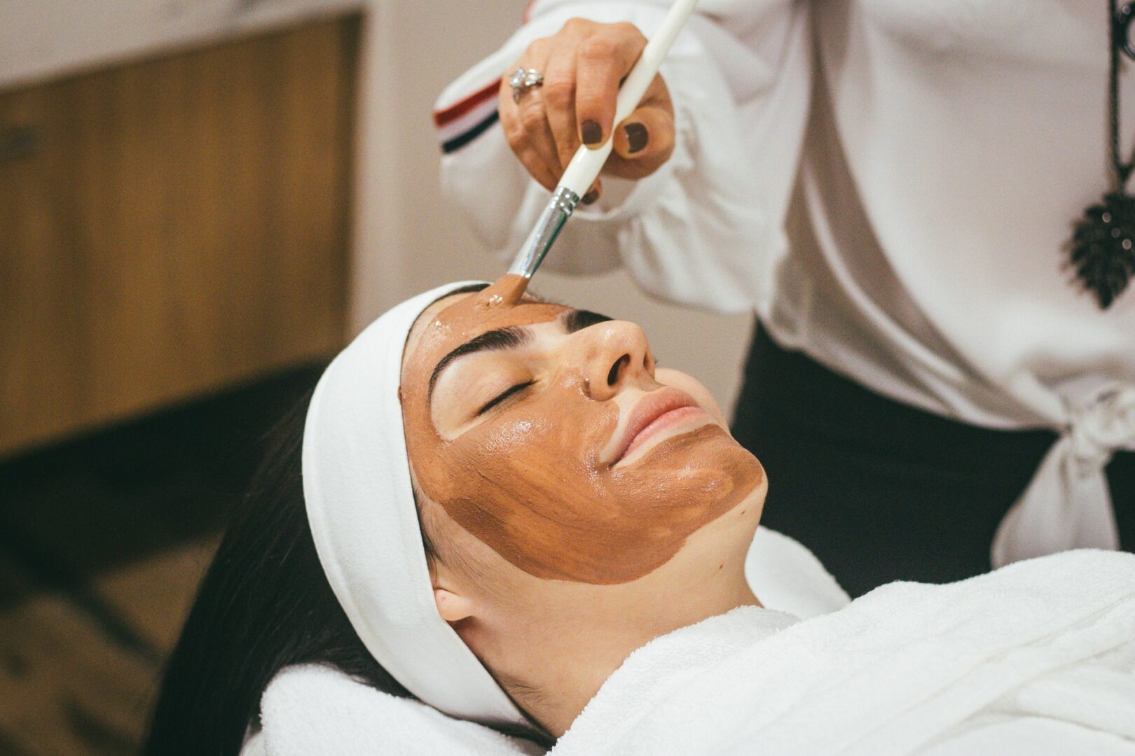 Postaw na pielęgnację – wybierz maseczki do twarzy