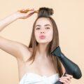Jak prawidłowo suszyć włosy? Porady