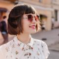 kobieta z grzywką i fryzurą na boba